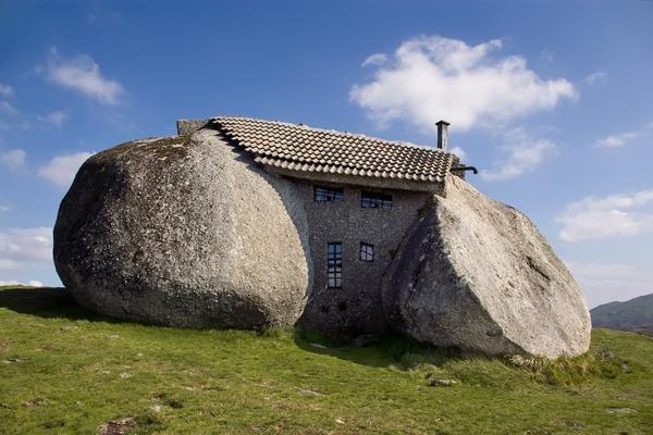 Будинок-камінь