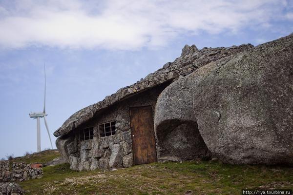 будинок камінь