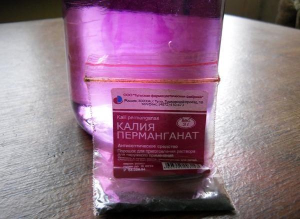 Розчин марганцівки для обробки грунту