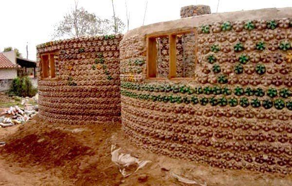 споруди з пластикових пляшок, фото з сайту besedka5.ru