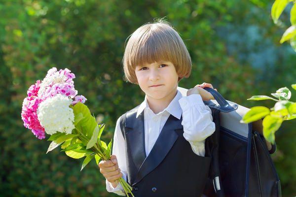 Букет з дачних квітів на 1 вересня