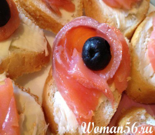 Бутерброди з червоною рибою