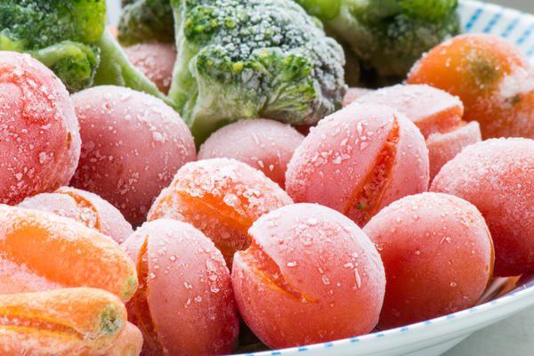 Один з кращих способів зберегти вітаміни і мікроелементи & amp; mdash- заморозка