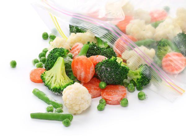 Овочі можна заморожувати майже все