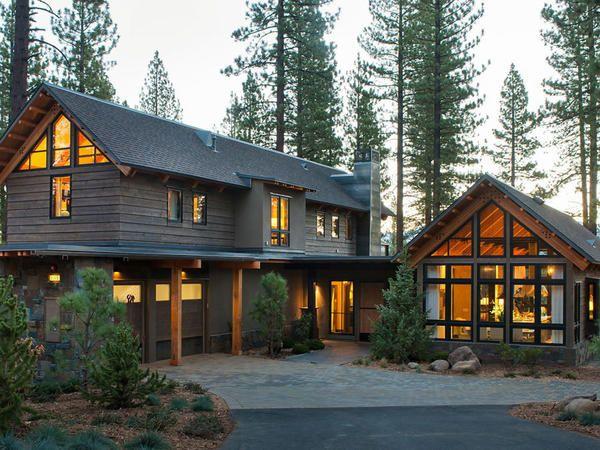 Дача мрії - шикарний дерев`яний будинок в лісах каліфорнії