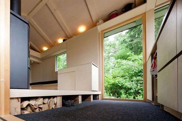 Дачний будиночок в лісі: правила хорошого інтер`єру