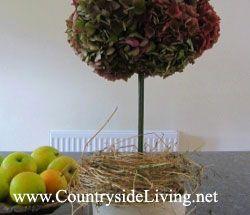 Декоративна композиція на стіл дерево