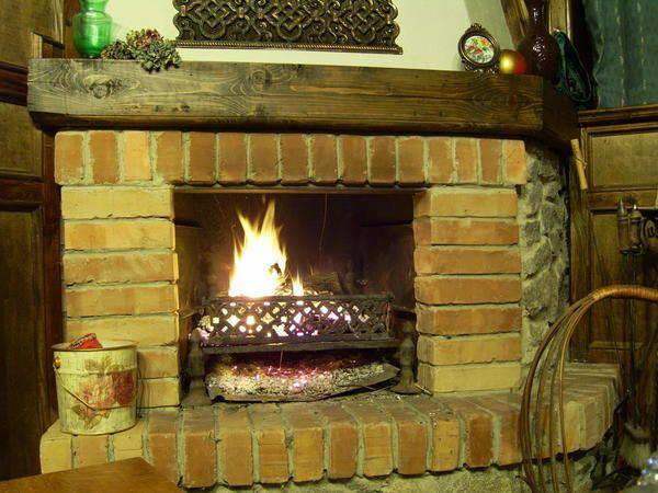 Справи пічні: вибираємо дрова, чистимо димарі