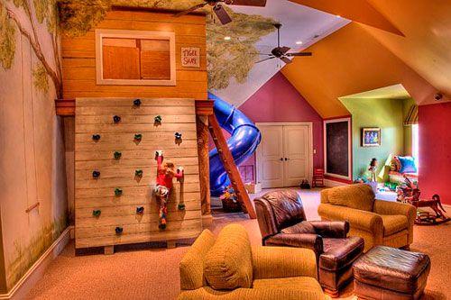 Дитяча кімната в вітальні