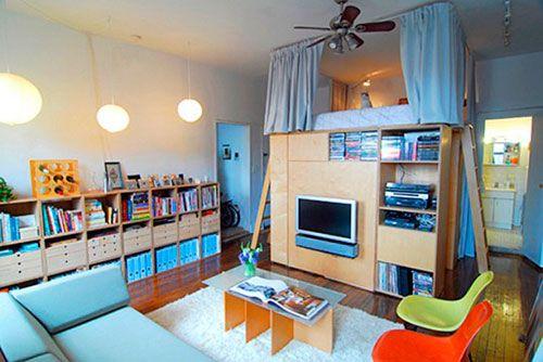 Спальне місце над стелажами для створення дитячої в вітальні