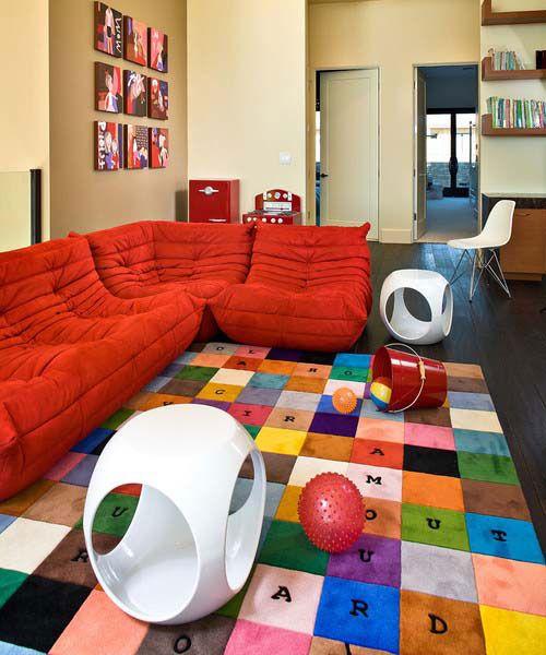 Використання аксесуарів для створення дитячої зони у вітальні