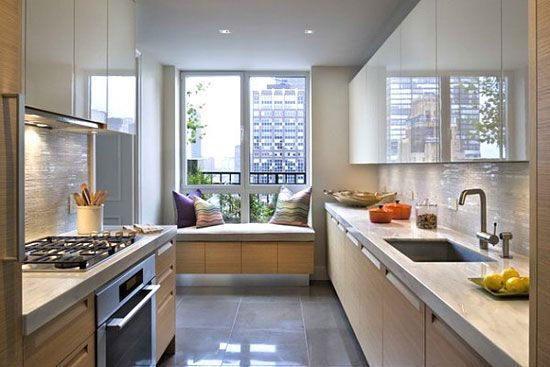 Кухня з еркером дизайн