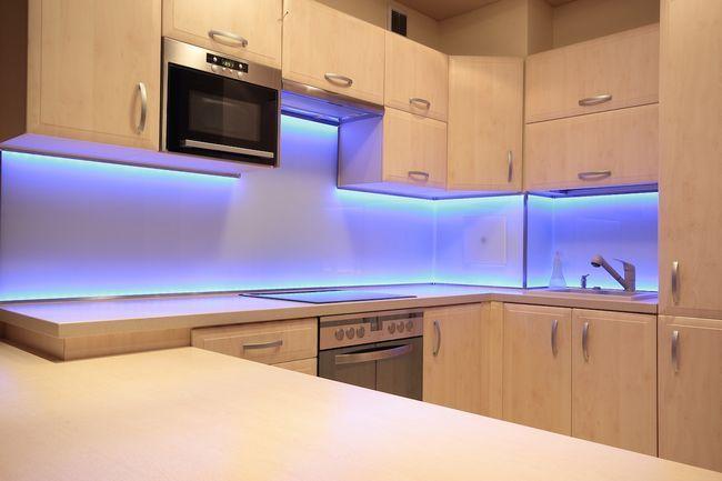 Освітлення робочої зони на кухні