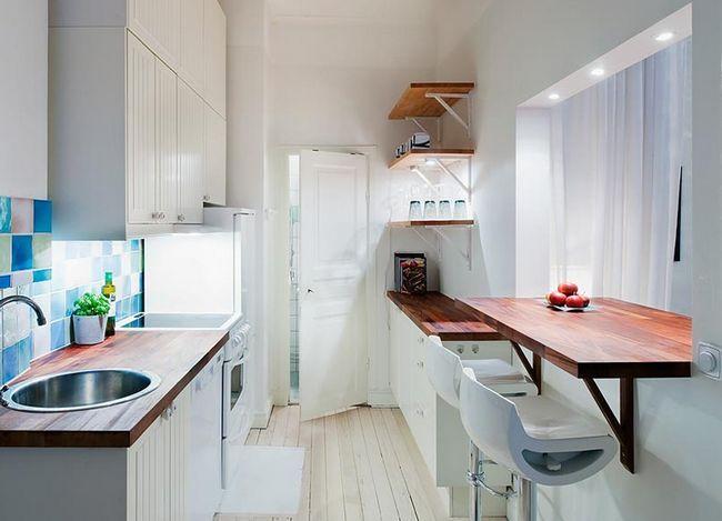 Стіл-підвіконня на кухні