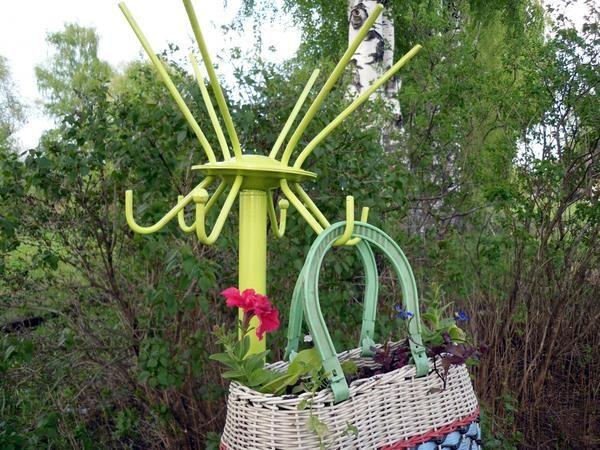 Ще одна ідея квітника з підручних матеріалів