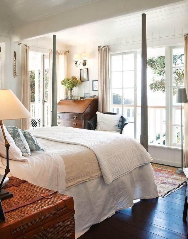Красива спальня в англійському колоніальному стилі