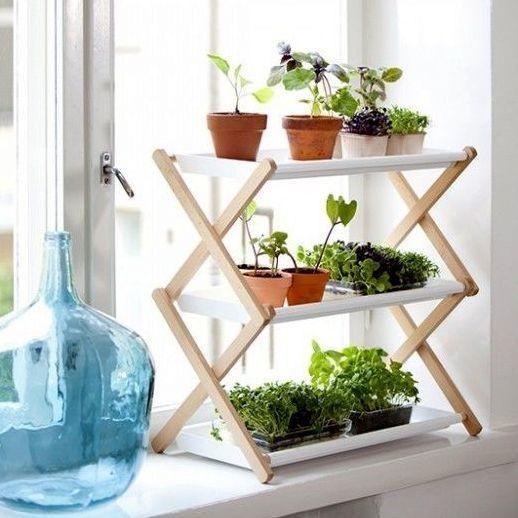 Складаний стелаж для підвіконня. Фото з сайту http://diyordie.elledecoration.se