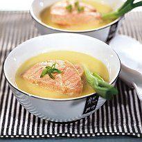 Холодний суп з лосося з луком-пореєм