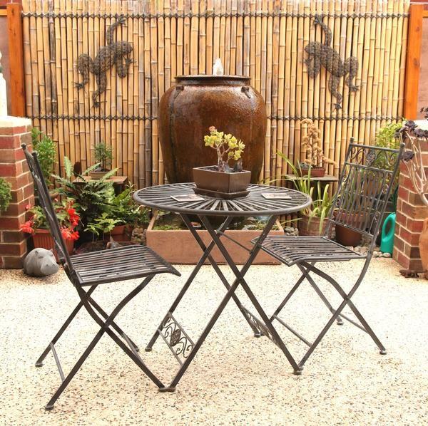 Доповніть декор підлоговими вазами і садовими фігурками