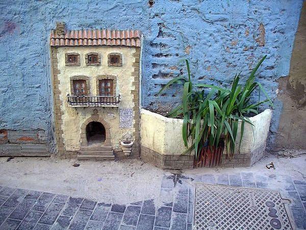 Котячий будинок в стіні, фото з сайту http://ozzicat.com.au