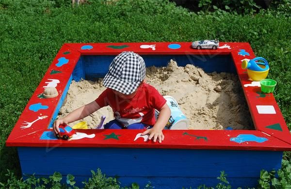 Як побудувати дитячу пісочницю своїми руками?