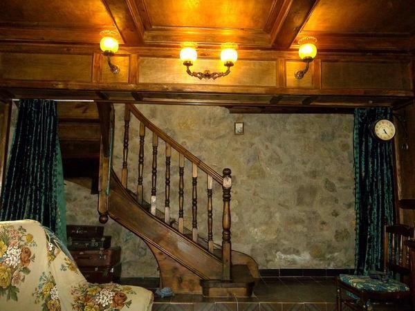 Як самому спроектувати сходи в заміському будинку