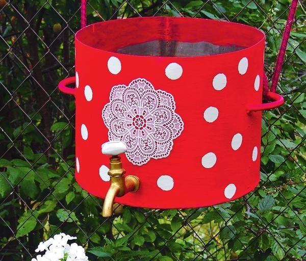 Як зробити зі старої каструлі квітковий контейнер або дачний умивальник