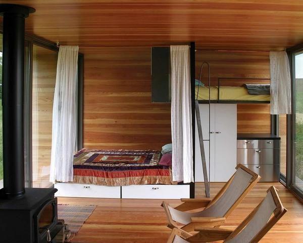 Спальня з ліжком-горищем