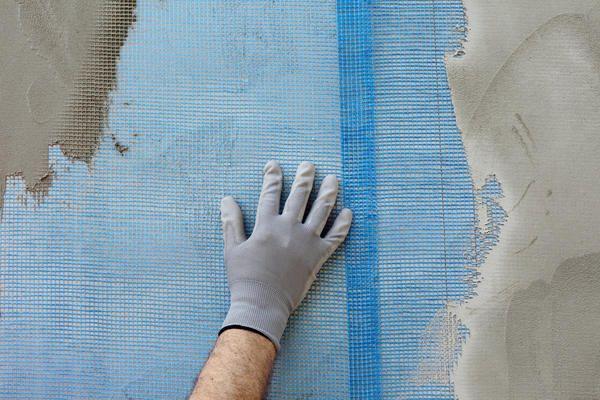 Фасадну сітку обов`язково слід монтувати внахлест