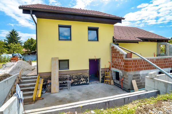 Головна перевага будь-прибудови до дачного будинку - придбання додаткової корисної площі