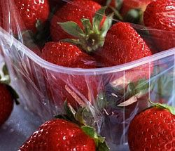 Вітамін С в продуктах. Свіжа полуниця - відмінне джерело вітаміну + С