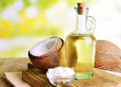 Кокосове масло в домашньому арсеналі: застосування і рецепти масок для обличчя
