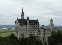 Королівський замок нойшванштайн (бавария, германію