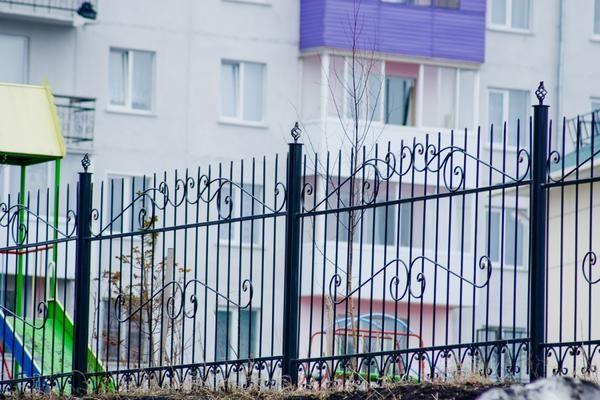 металевий зварений паркан