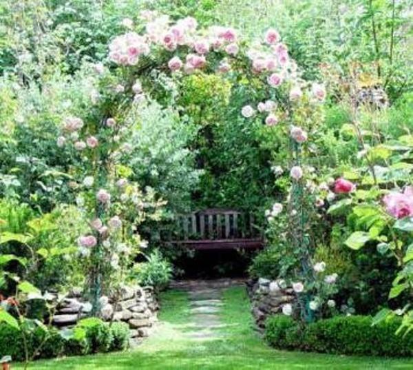 Красиві і функціональні садові арки