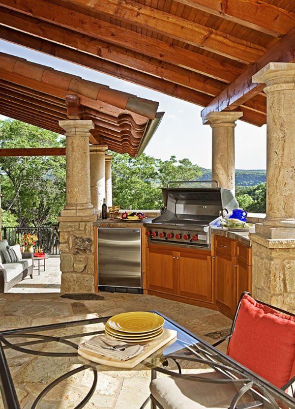 Кухня на свіжому повітрі як спосіб збільшити корисну площу дачі