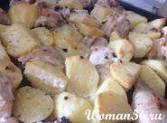 Курка запечена з картоплею