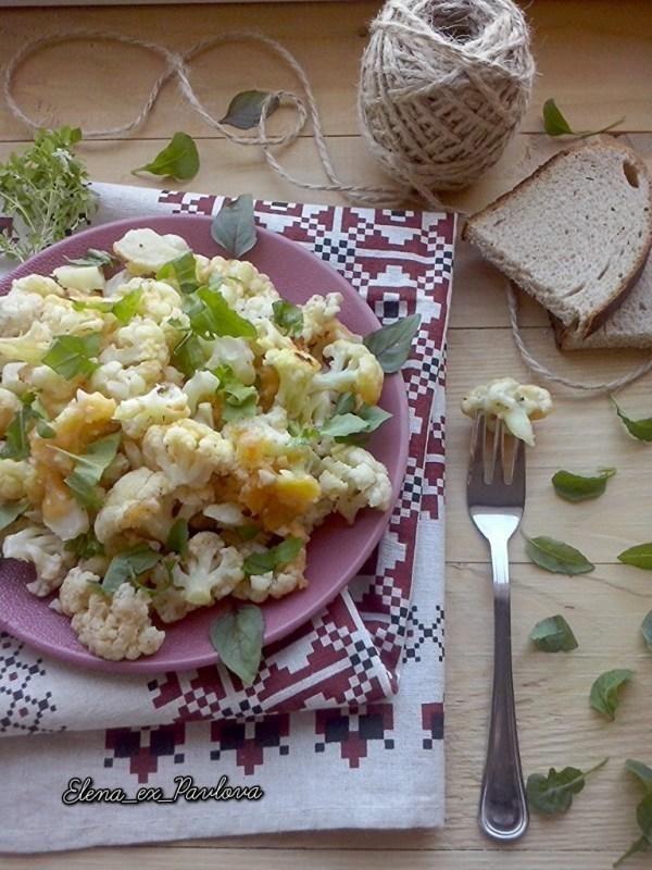 Цвітна капуста з сиром і зеленню, в духовці