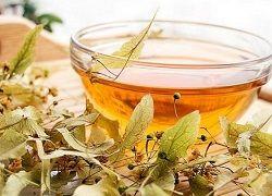 Липовий чай від застуди і головного болю