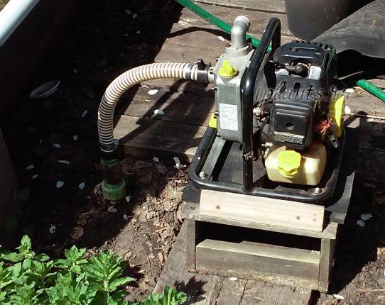 поверхневий насос для дачі з бензиновим двигуном