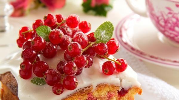 Незвичайні десерти з заморожених ягід