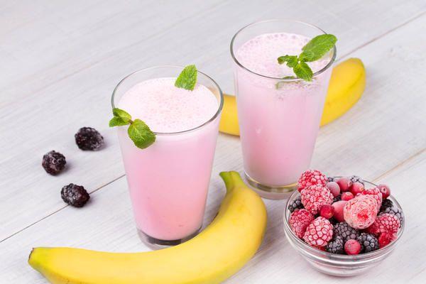 Смузі з замороженими ягодами