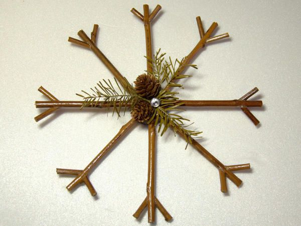 Сніжинка з ожинові гілок