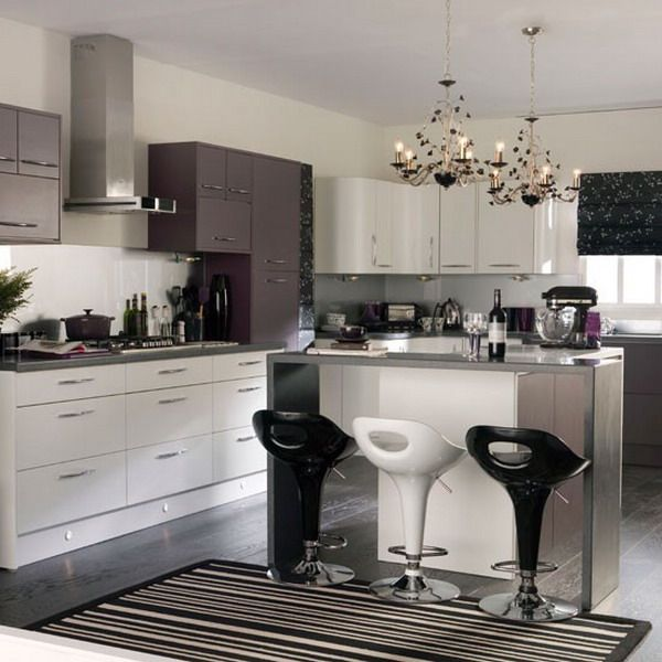 Modern-Kitchen-Area-with-Stylish-Bar-Stools