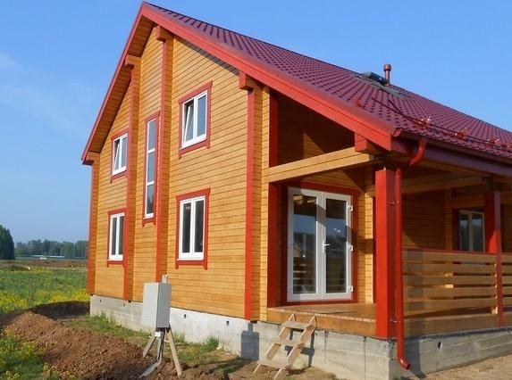 Забарвлення дерев`яного будинку як правильно захистити свою фортецю