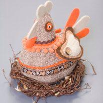 пасхальне прикраса у вигляді курки