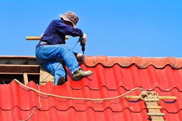 Ремонт і реконструкція даху заміського будинку