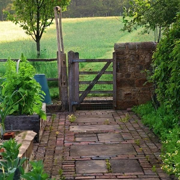 Роль садових доріжок в ландшафті ділянки і варіанти їх облаштування