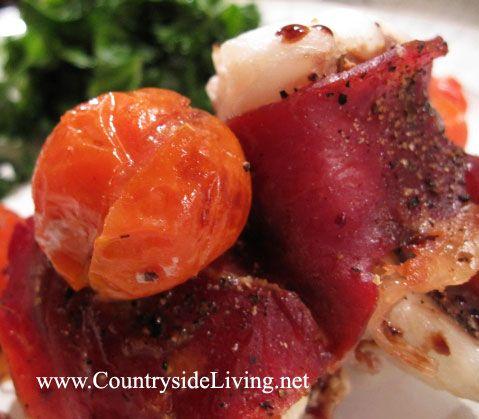 Риба в духовці, запечена з прошутто, рецепт