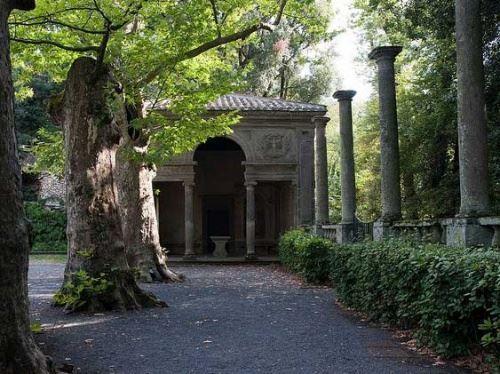 Сади ренесансу або повернення до золотої епохи.